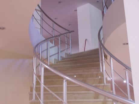 bükümlü merdiven ve galeri korkuluk