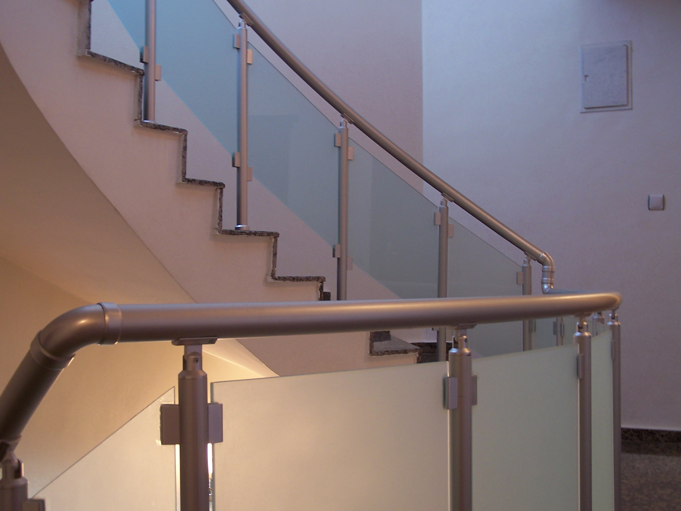 Prinç Camlı Merdiven Korkuluk Küpeşteleri