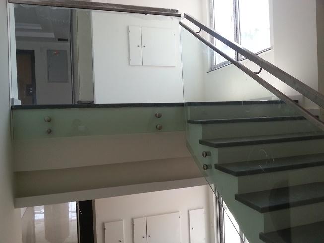 spider camlı merdiven korkuluk