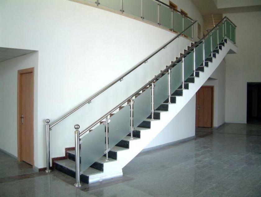 alüminyum dikmeli camlı merdiven korkulukları