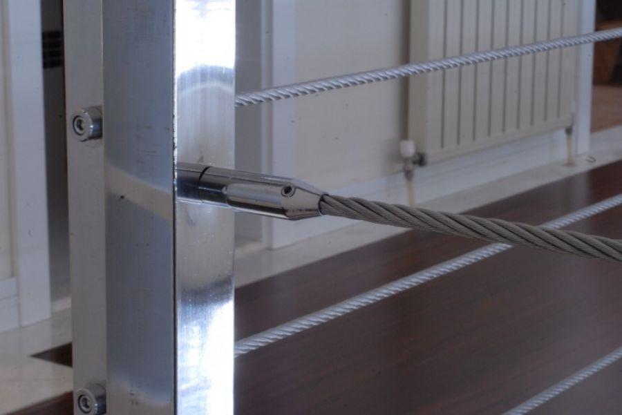 çelik halatlı korkuluk