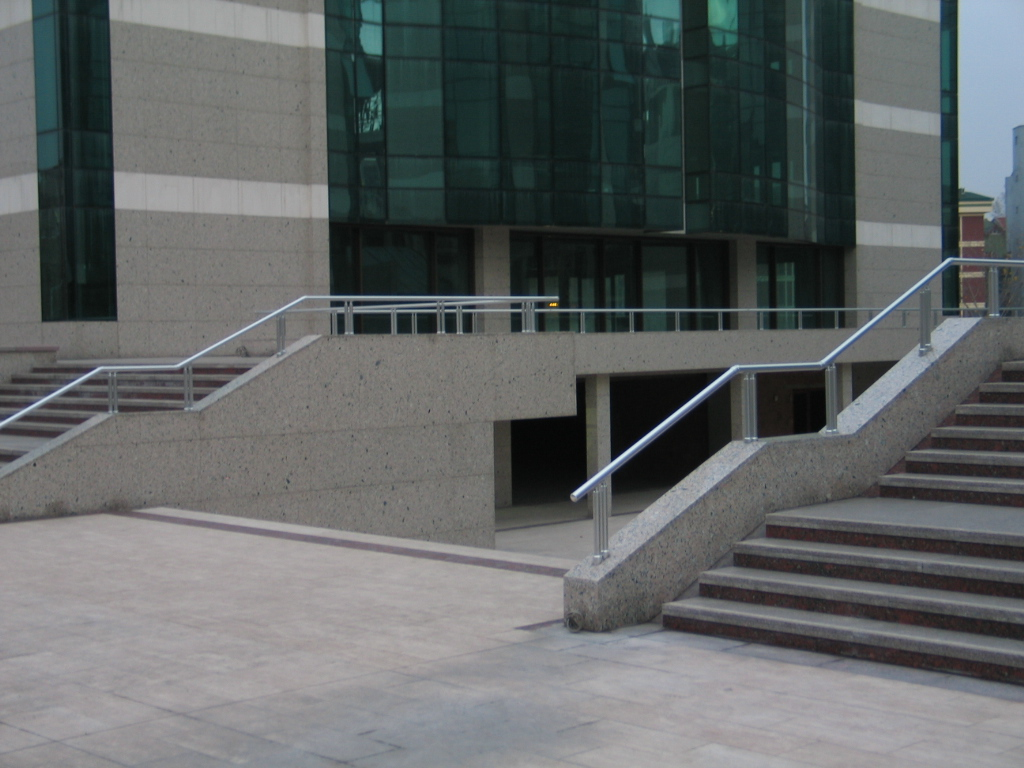 parapet üstü balkon korkuluk küpeşte